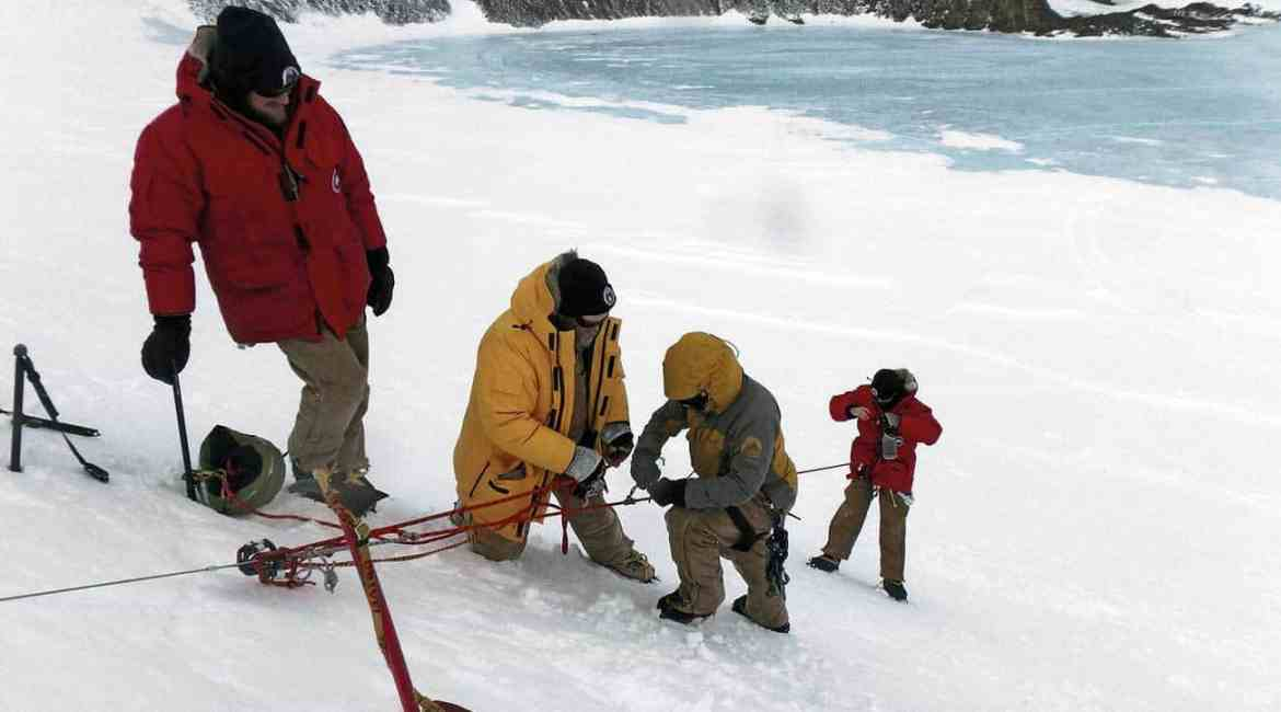 Mawson search and rescue team training.