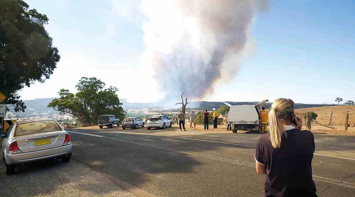 Watching the Sampson Flat fire in the Adelaide Hills, January 2015.