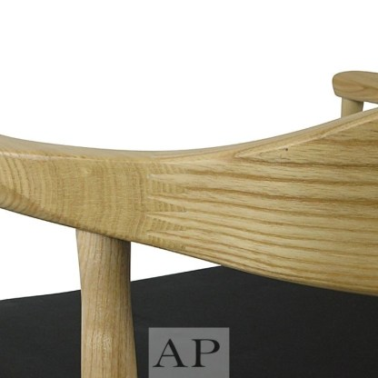 replica-hans-wegner-elbow-side-ash-closeup
