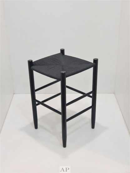 hans-wegner-replica-wishbone-bar-stool-black-black-ap-furniture