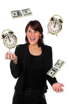 Businesswoman juggling responsabilities