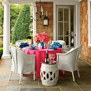 Colorful-outdoor-dining-x