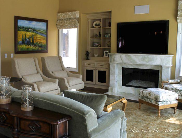 Lake Sherwood Living Room