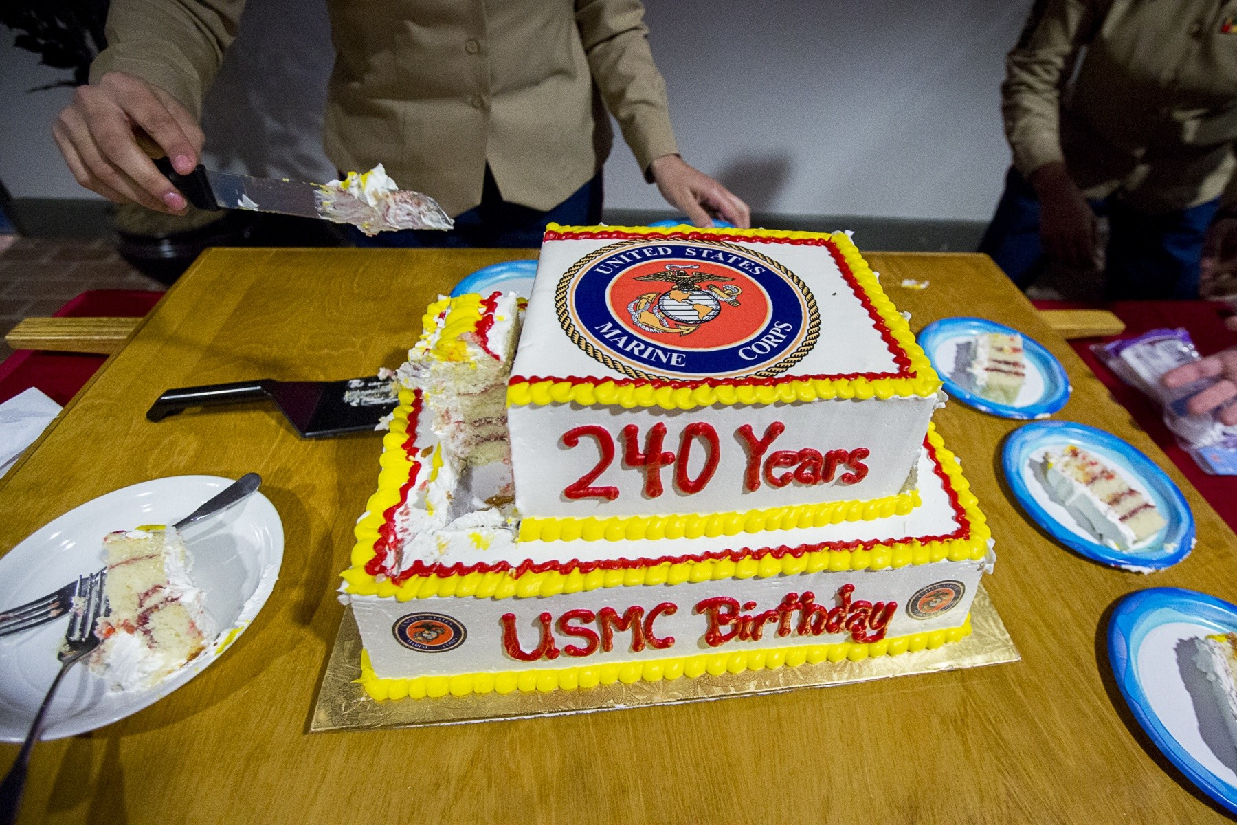Local Marines Celebrate Corps 240th With Cake Cutting Article The United States Army