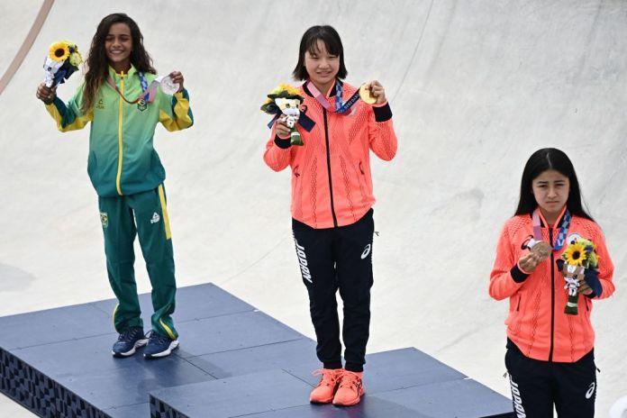Tokyo Olympics: 13-Year-Old Stars Win Women's Skateboarding   Time