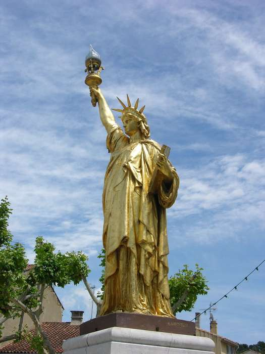 LA STATUE DE LA LIBERTE Stle Statue Saint Cyr Sur Mer