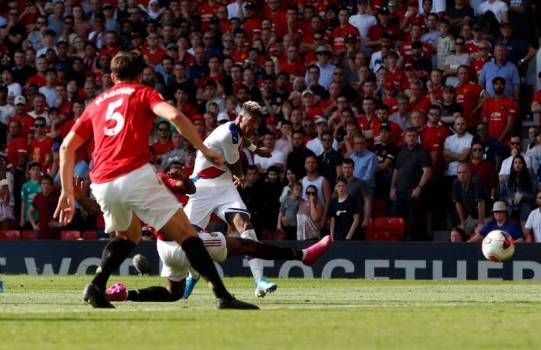 Soccer Football - Premier League - Manchester United v Crystal Palace - Old Trafford Manchester Britain - August 24 2019 Crystal Palaces Patrick van Aanholt scores their second goal Action Images via ReutersPaul Childs