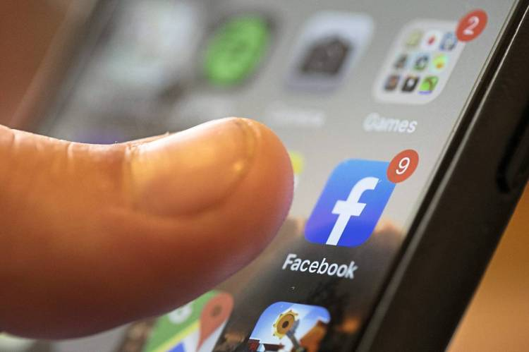 Some users in the US are happy to give up on Facebook for one month for money. — AP