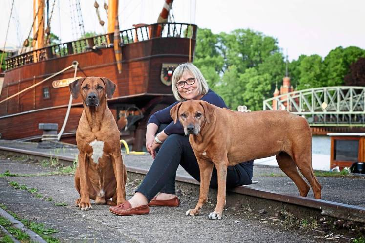 Zuengel-Hein with her two Ridgebacks. She is particularly enthusiastic about the Netherlands as a destination for dog owners, and also recommends Scandinavia.