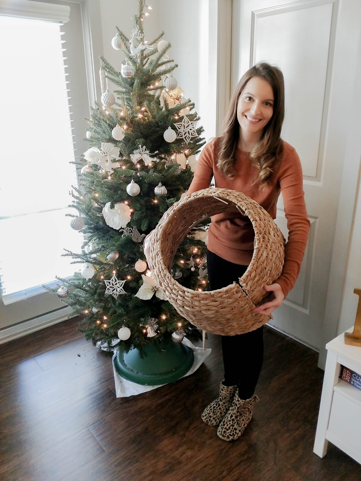 WICKER TREE SKIRT