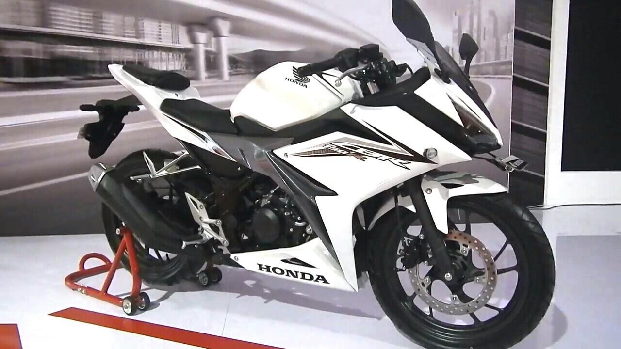 New cbr150 warna putih