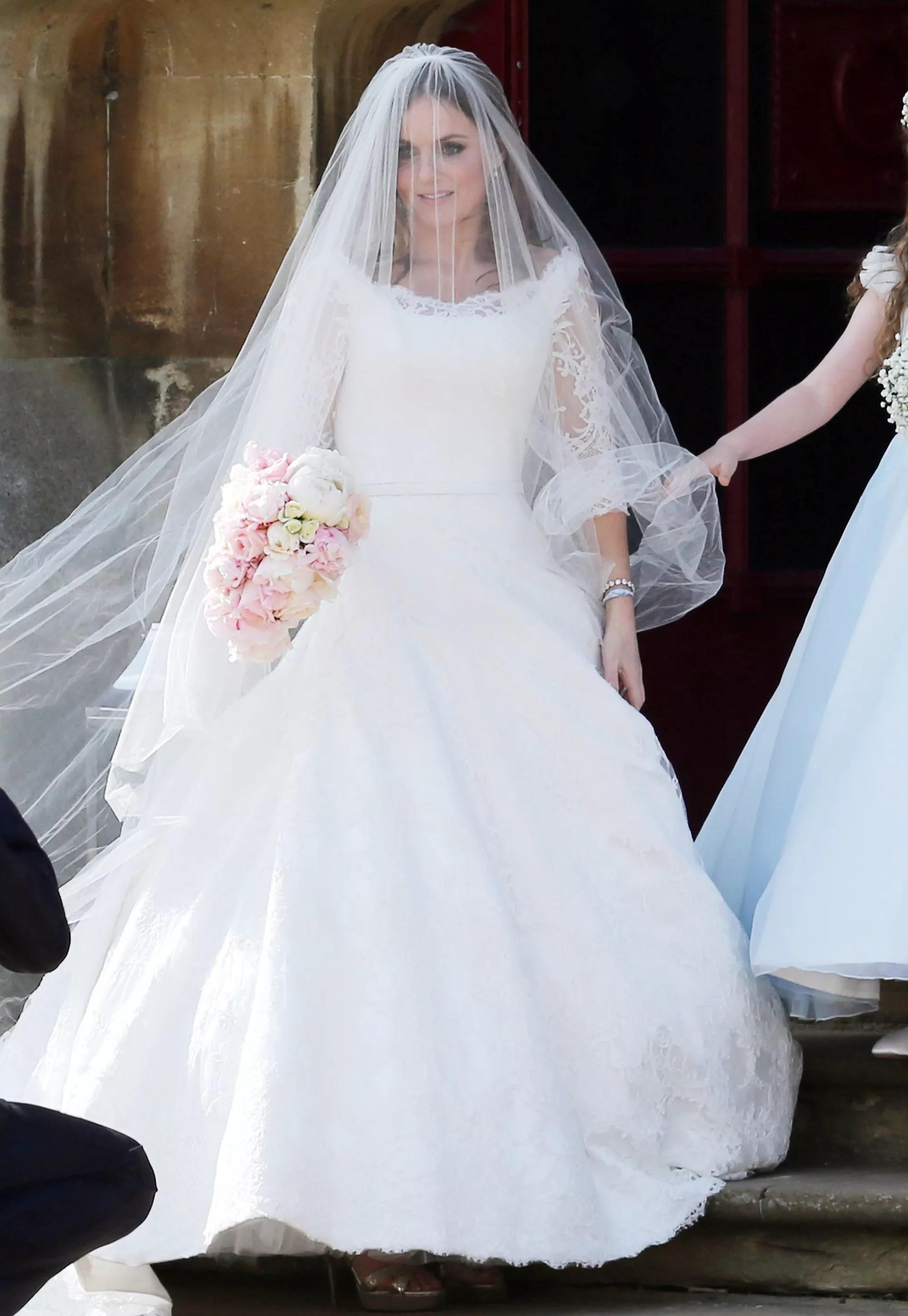 See Ginger Spice Geri Halliwells Wedding Dress