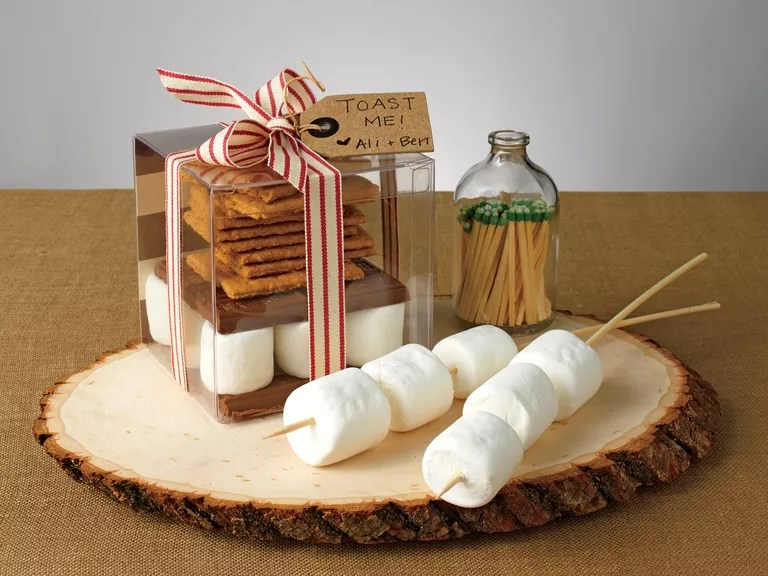 How To DIY A S'mores Kit Wedding Favor