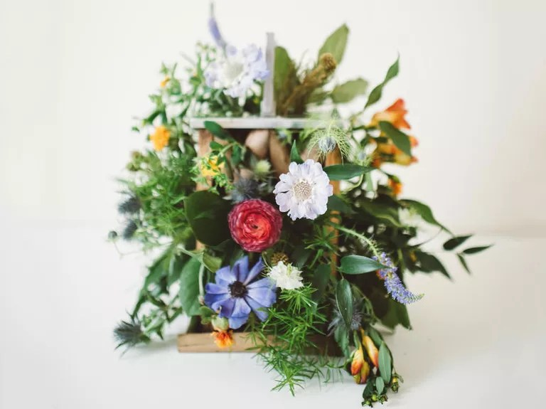 Fall Wedding Bouquet Ideas And Which Flowers They're Made With