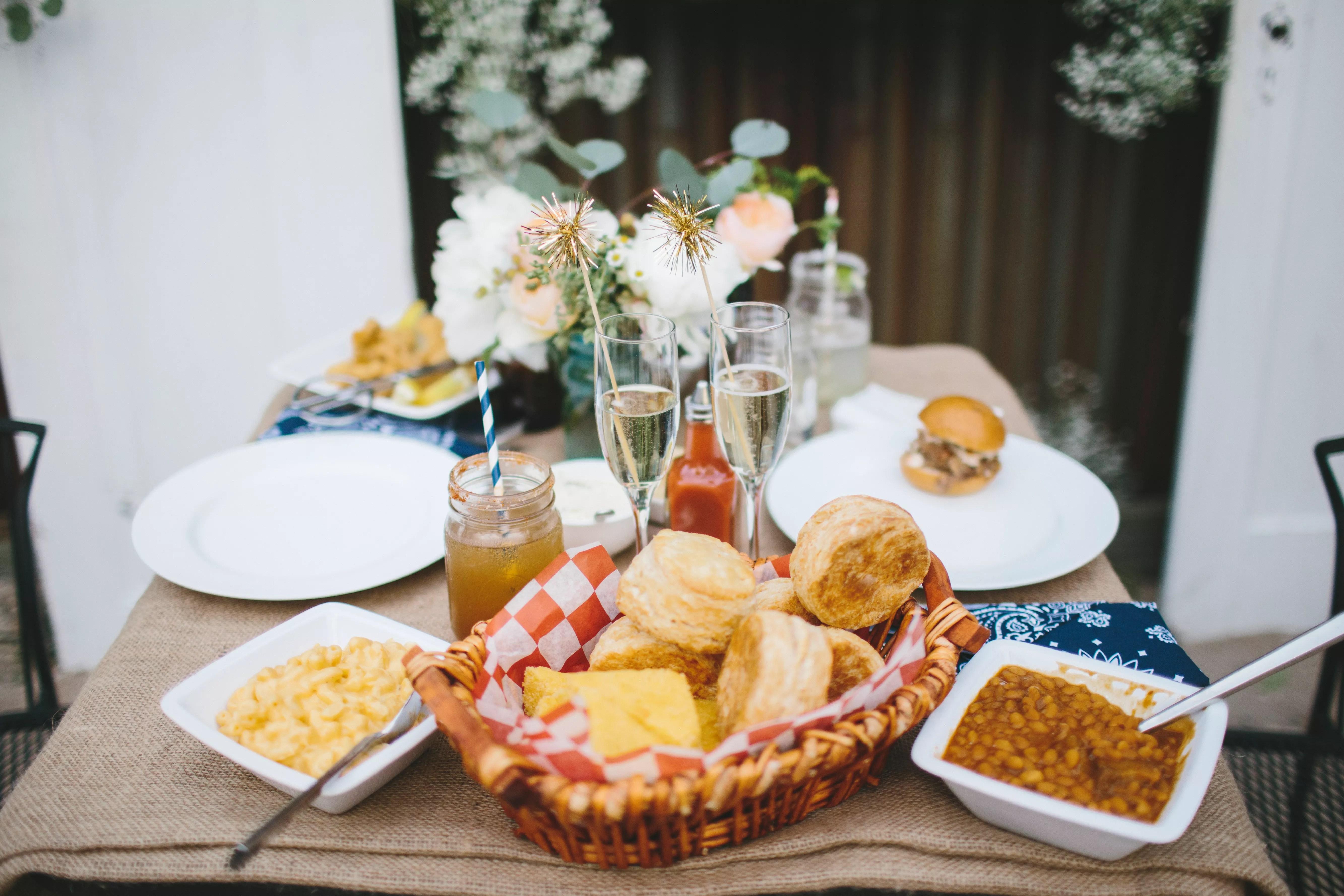 Comfort Food Ideas For Your Wedding Menu