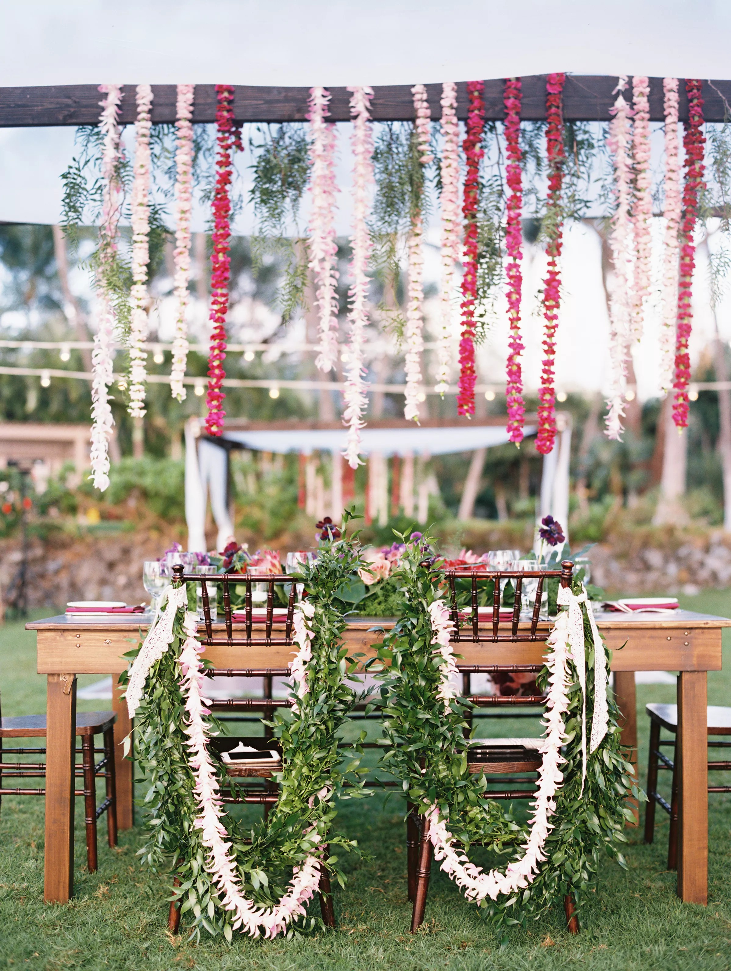 Tropical Romantic Sweetheart Table Decor