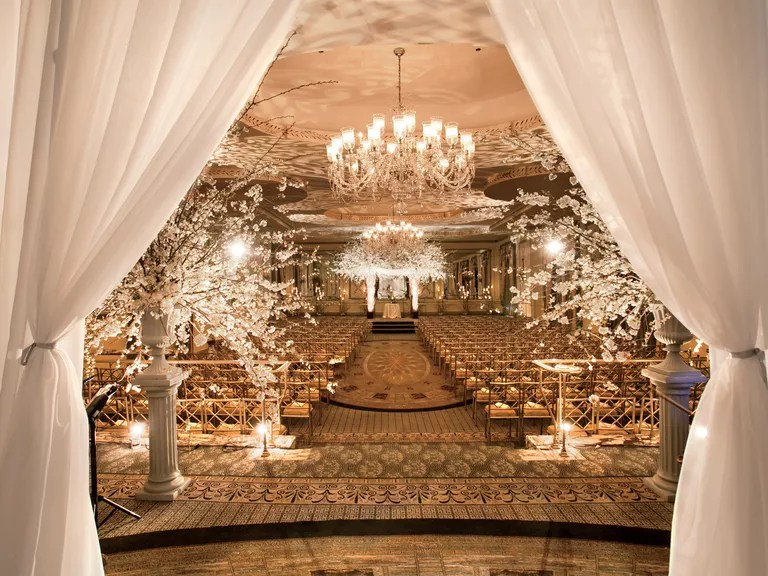 18 Over-the-Top Wedding Ideas