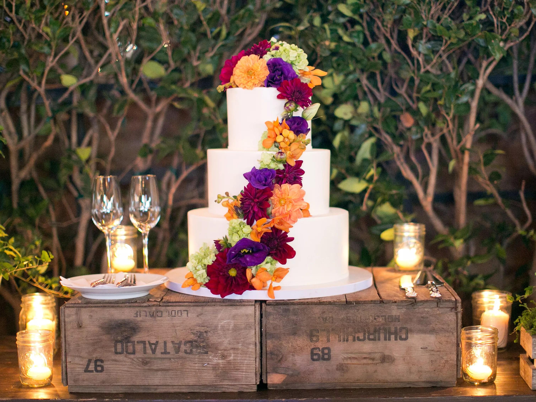 Fall Weddings: Fall Inspired Cakes