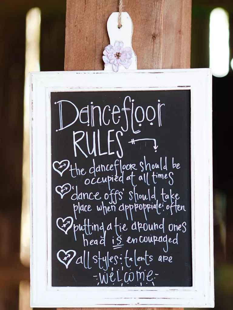18 Unique Chalkboard Wedding Sign Ideas
