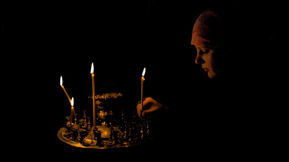 4 bougies brûlaient lentement …  (poème)