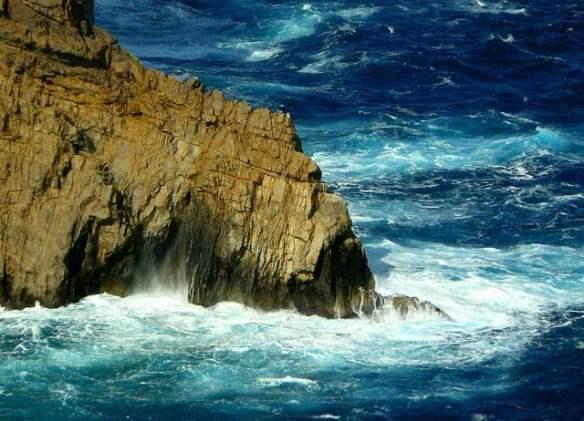 Two Americans die scaling sea cliffs in Spain