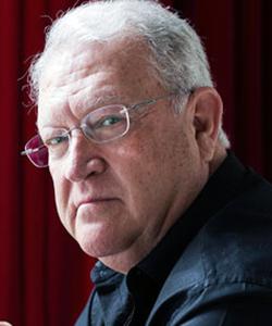 Madrid, 07 /05/ 2014. El escritor Juan Jose Armas Marcelo posa tras una entrevista. Foto: Antonio Heredia