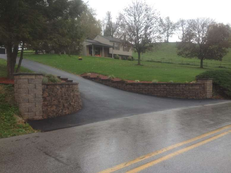 pervious driveway and stone entryway in Lebanon County, PA