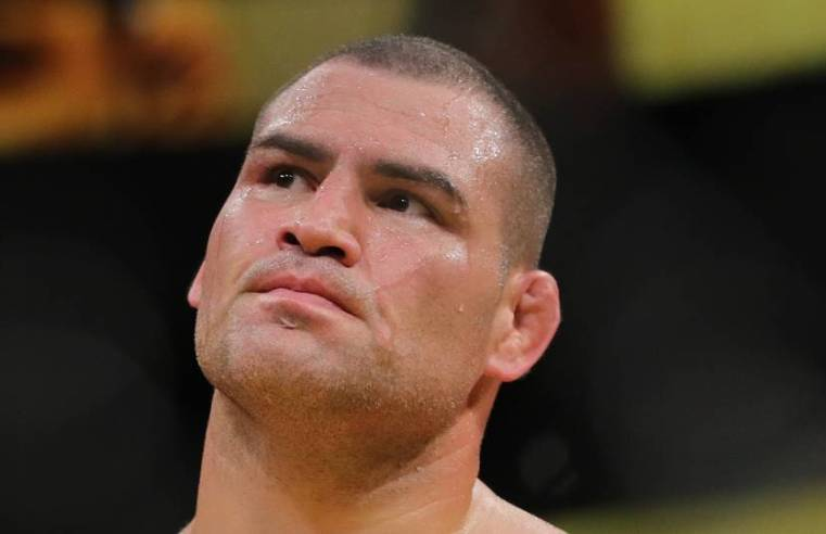 Watch: Did Cain Velasquez Injure His Knee Before The Fight?