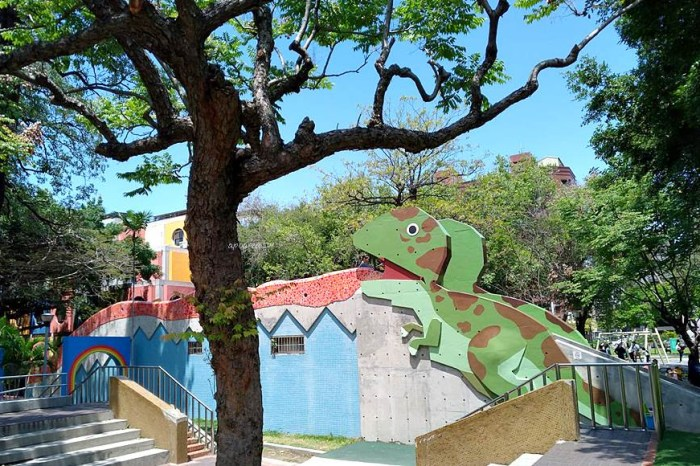 英才公園 迷彩恐龍在公園出沒!磨石子溜滑梯、兒童感官遊戲設施、大沙坑,科博館附近設備完善的遊戲公園