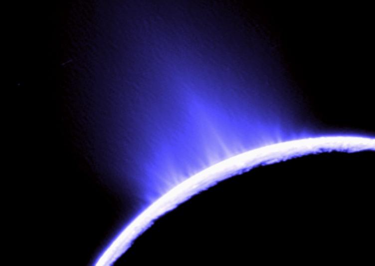 Um dos geisers de Enceladus (http://apod.nasa.gov)