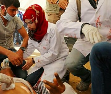 Israeli Snipers Kill Palestinian Nurse, Injure 100, at Gaza March of Return