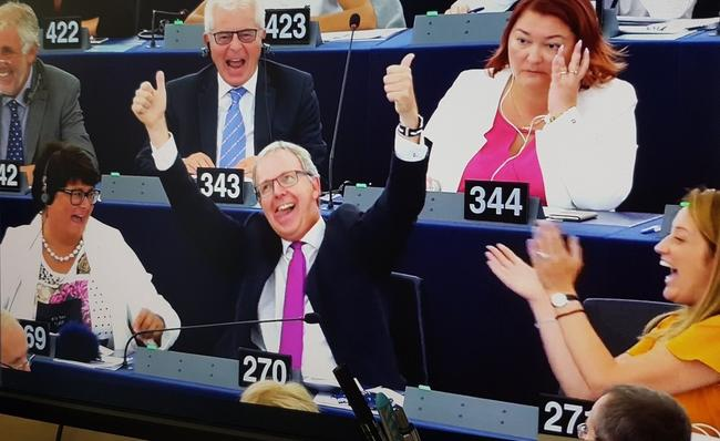 'Catastrophic': EU Passes Copyright Directive Including Internet 'Link Tax' and 'Upload Filter'