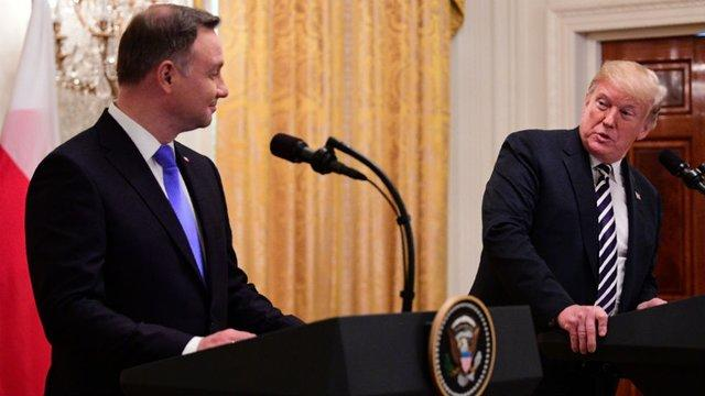 """Poland's Duda Floats Major US Base Named """"Fort Trump"""" Alongside Grinning President"""