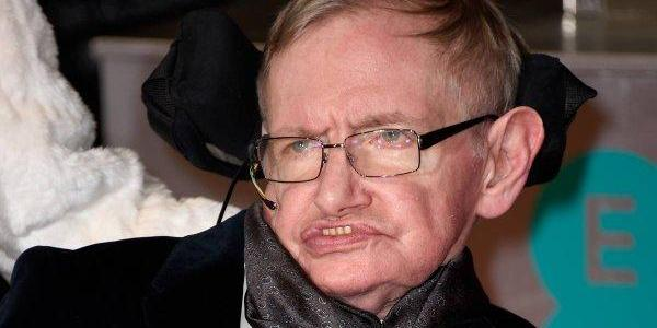 Hawking's Final Prediction: Race Of Engineered Superhumans Will Conquer The World