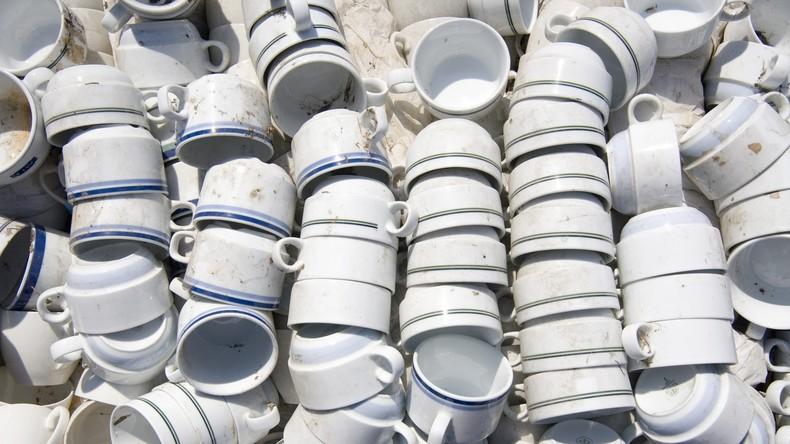 US-Airforce gibt über 300.000 Dollar für neue Kaffeetassen aus, anstatt sie selbst zu reparieren