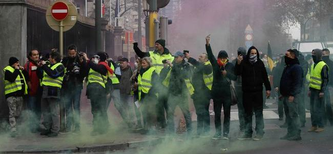 explaining-france8217s-grassroots-8220yellow-vest8221-movement-8211-and-why-it8217s-spreading-across-europe