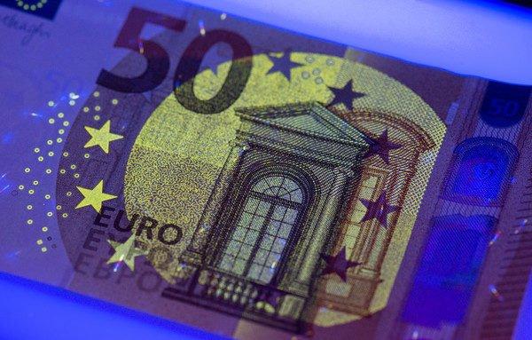 eu-will-weichen-fur-gemeinsame-schulden-stellen