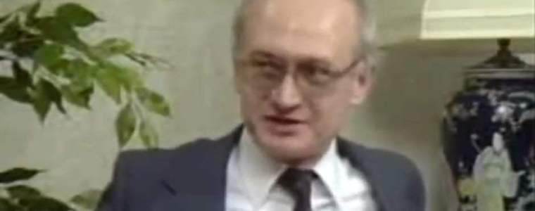 kerstspecial-yuri-bezmenov-over-socialisme-in-de-verenigde-staten-8211-geotrendlines
