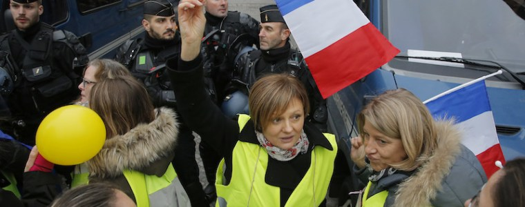 women-march-in-france-to-reclaim-yellow-vest-movement