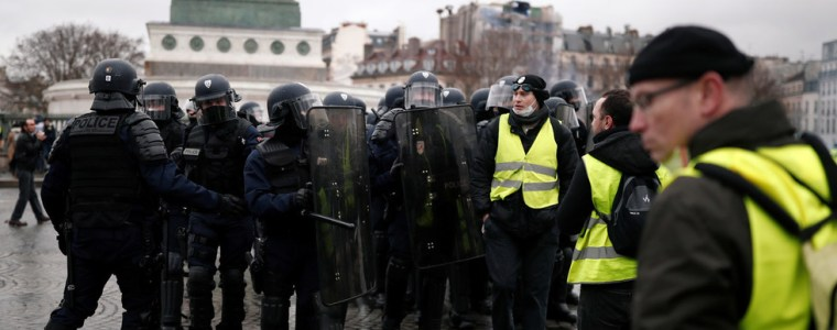 we-became-guardians-of-law-french-govt-exploits-police-union-head-says-after-protest-violence