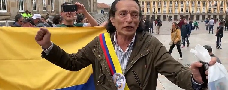 watch-a-colombian-proclaim-himself-8216interim-president8217-in-guaido-parody
