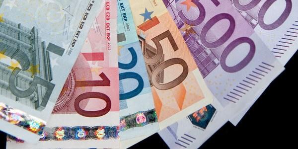 deutsche-banken-erschweren-zunehmend-geschafte-mit-bargeld