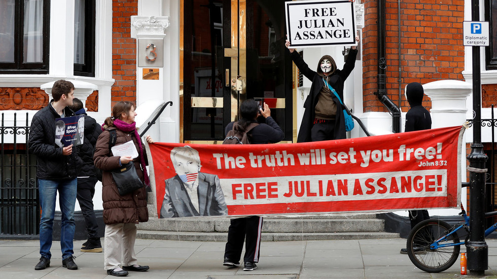 no-fair-trial-awaits-assange-at-us-espionage-court-only-more-charges-cia-whistleblower-kiriakou