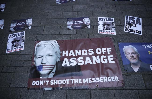 chris-hedges-on-the-martyrdom-of-julian-assange