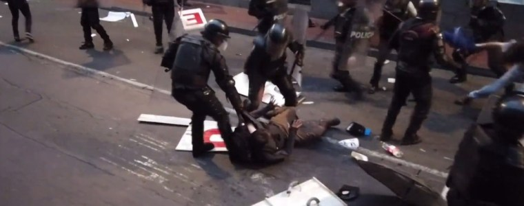 out-traitor-out-violent-clashes-as-massive-pro-assange-protest-hits-ecuadors-capital-video