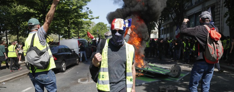 1st-since-notre-dame-fire-yellow-vests-back-in-action-despite-unifying-disaster-amp-they-are-angry