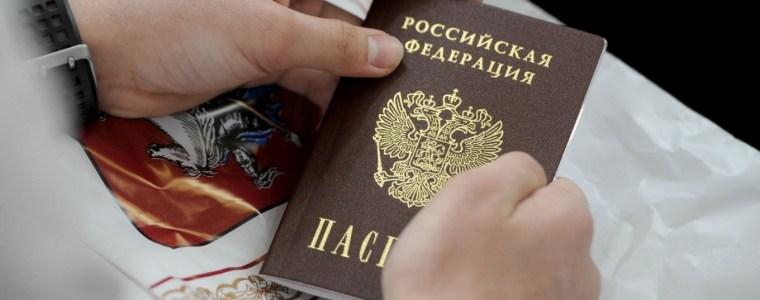 vreemde-paspoorten-voor-oekraieners- -uitpers