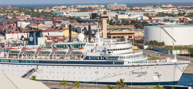 authorities-board-scientology-ship-quarantined-after-measles-outbreak