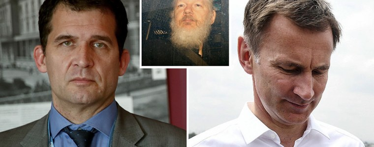 assange-as-free-to-leave-as-someone-'on-a-rubber-boat-in-a-sharkpool'-–-un's-melzer-destroys-hunt