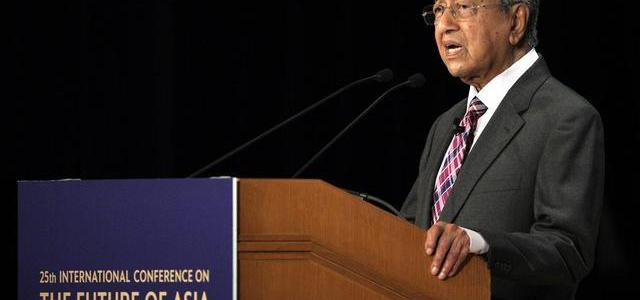 "in-""jaw-dropping""-speech-malaysian-pm-says-""no-evidence""-russia-shot-down-mh17"